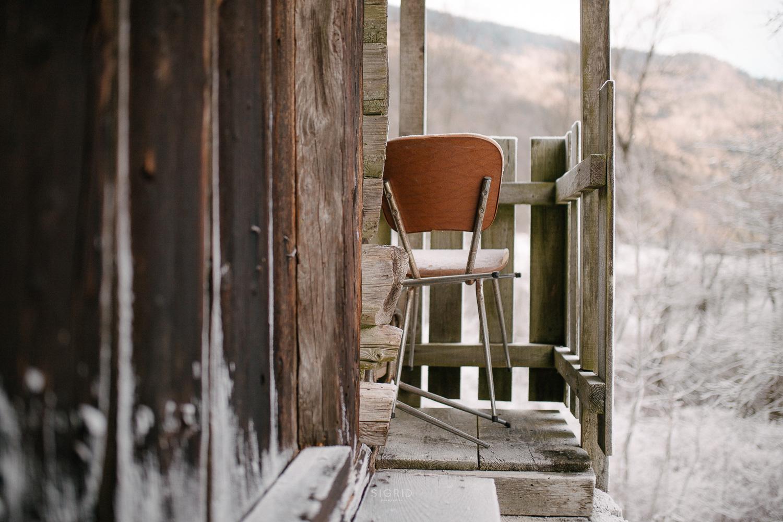 Hiver chaise givre chalet bois paysage histoire photographie beauforain photographe mariage albertville